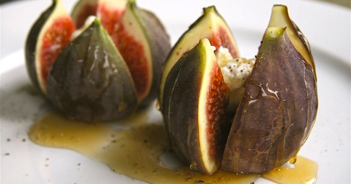 Recipes - Figs with goat cheese and peppered honey - Abetrom - Kalamata