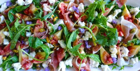 Recipes Fresh Salad with figs, goat cheese prosciutto - Abetrom - Kalamata